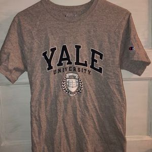 •Yale University T-Shirt